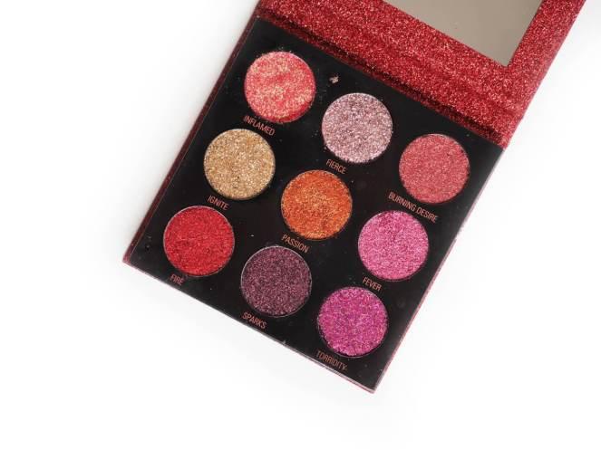 pressed-glitter-palette