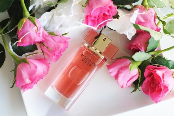 Cadou-parfum-estee-lauder